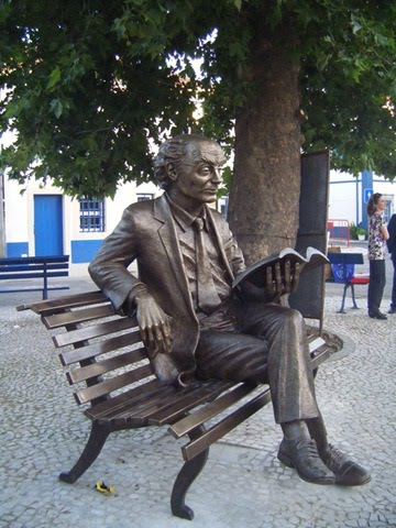 José Saramago Statue_2