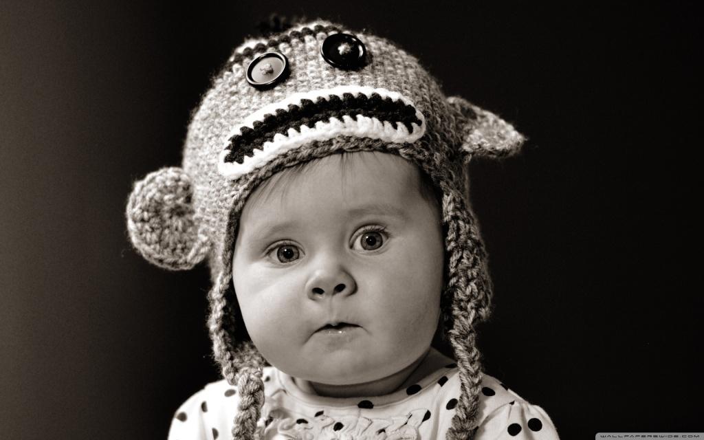 cute_baby_2-wallpaper-2560x1600
